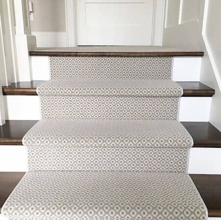 choose and lay a stair runner